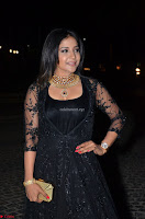 Sakshi Agarwal looks stunning in all black gown at 64th Jio Filmfare Awards South ~  Exclusive 114.JPG