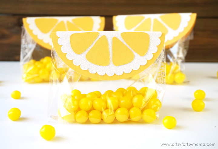 Lemon Summer Bag Toppers are an easy Make It Now project in Cricut Design Space! #CricutMade