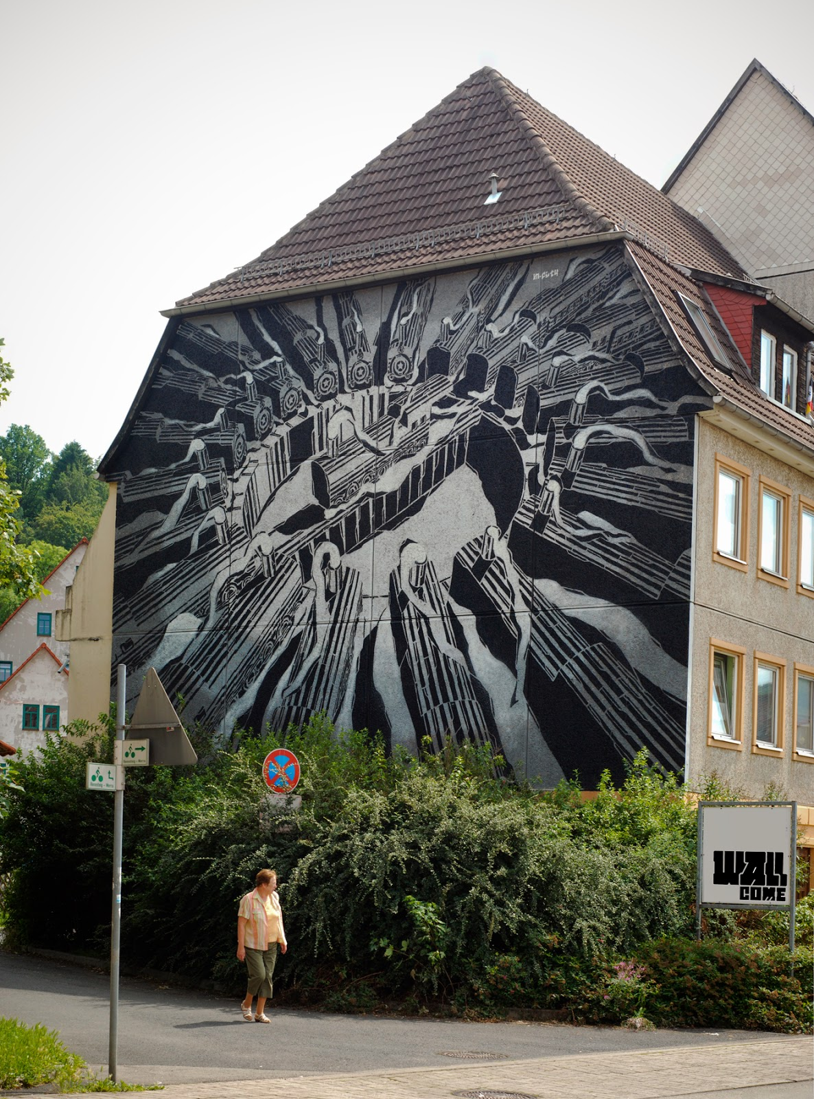 After Case and Ecb, it's M-City's turn to paint on the streets of Schmalkalden, Germany for the WallCome Street Art Festival 2014.