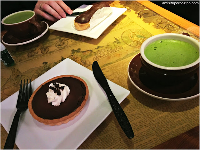 Desayunos con Matcha Latte y Boston Cream Pie