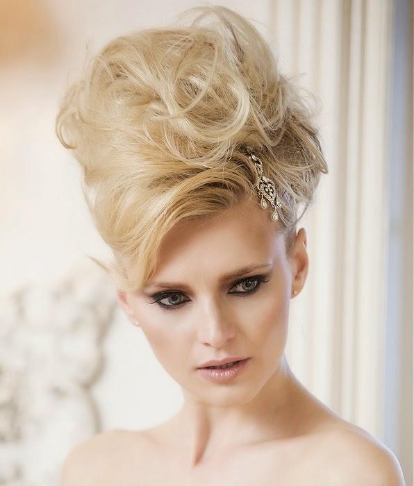 Vestidos de boda peinados de novia pasarelas desfiles Vogue