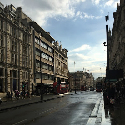 Instagram, Catch Up, London, Piccadilly, Rain, Weather, April, Lifestyle, Nature