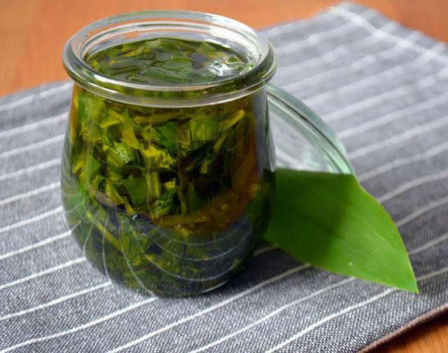 czosnek-nied%C5%BCwiedzi-w-oliwie Czosnek niedźwiedzi w oliwie
