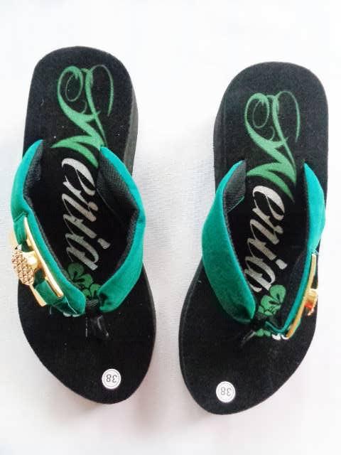 sandal spon Weria hijau