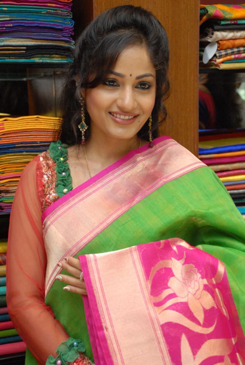 Beautiful Bellary Girl Madhavi Latha Photos In Transparent Green Saree