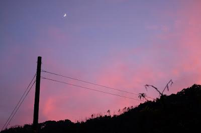 生坂村の風景 三日月と里山
