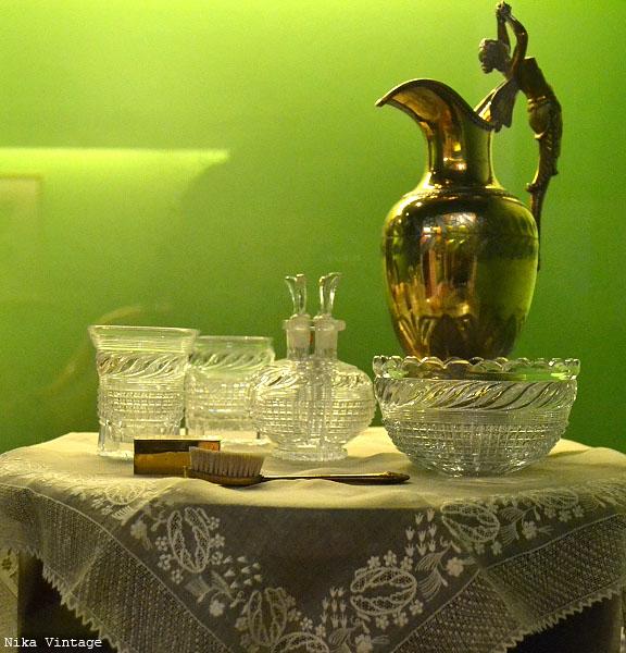museo romantico, museo del romanticismo, sala de baile, mobiliario, isabelino, fernandino, utiles de aseo