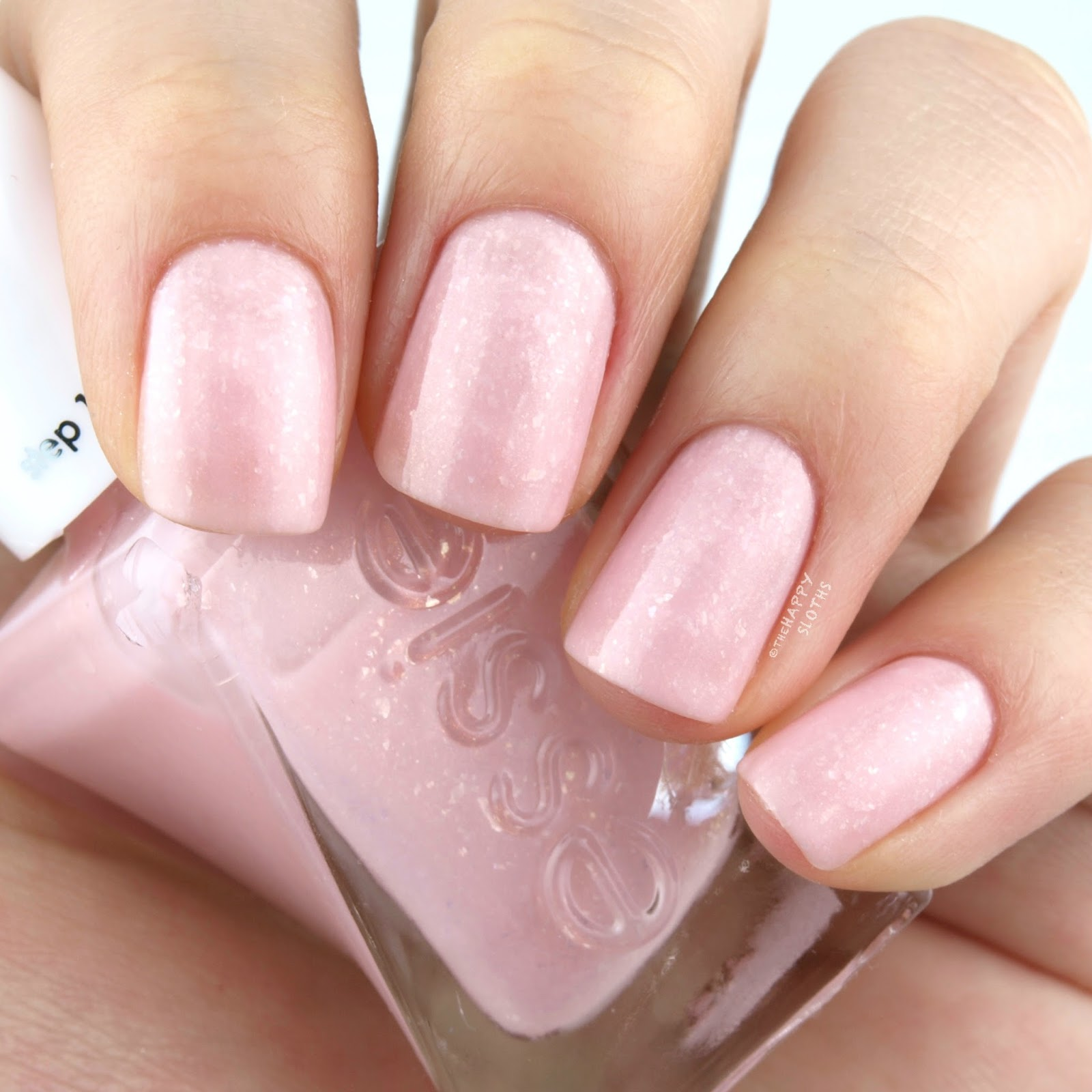 "Essie Gel Couture Bridal 2017 Collection in ""Blush-worthy"": Review and Swatches"