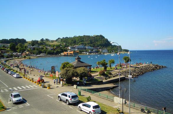 Margem do Lago Llanquihue em Puerto Varas, no Chile