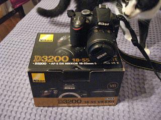 Nikon D3200 kit box