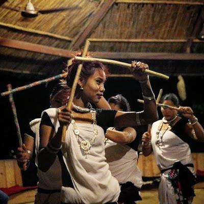 Danza tharu en Chitwan