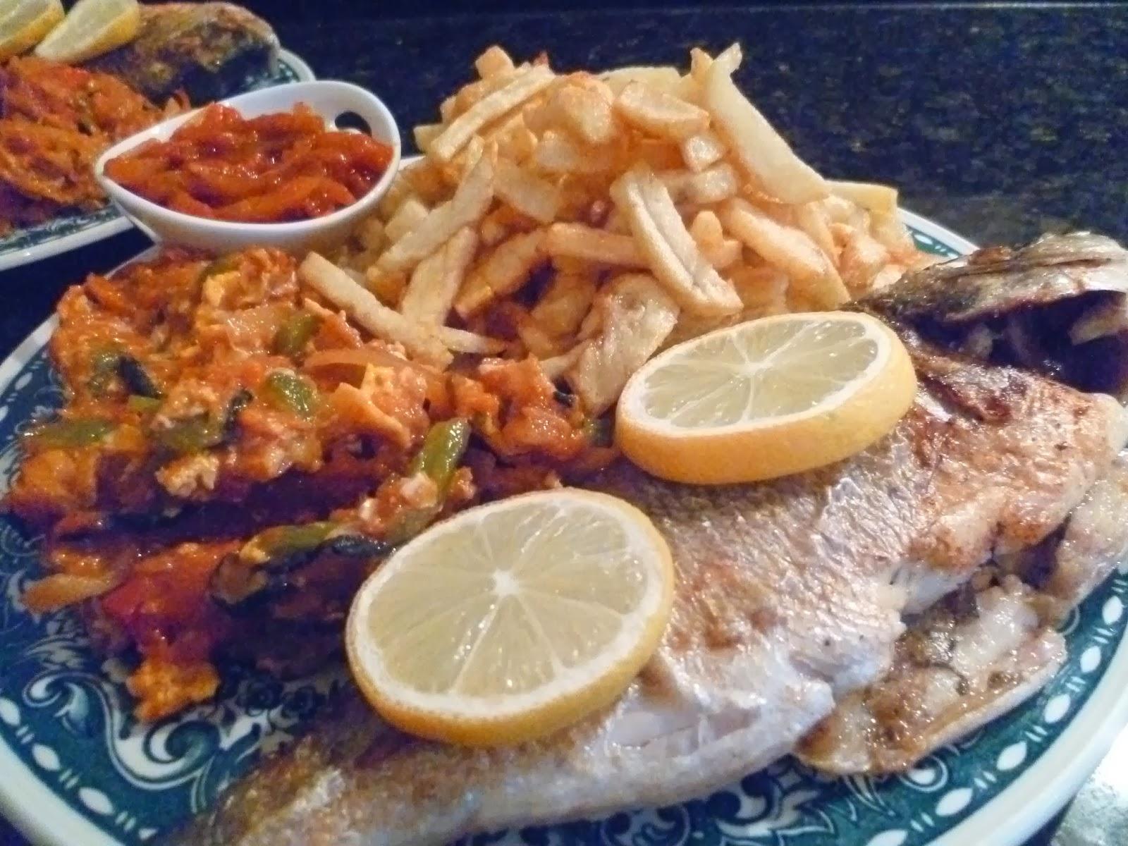 La cuisine de nadia complet poisson tunisien recette film e - Cuisine tunisienne poisson ...