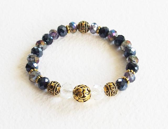 https://www.alittlemarket.com/bracelet/fr_bracelet_romantique_la_princesse_de_cleves_cristal_swarovski_metal_or_vieilli_cisele_noir_gris_dore_-16847456.html