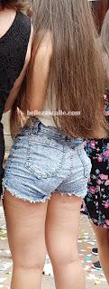 bonita chica shorts cortos entallados