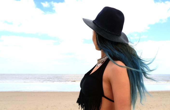 boho blue hair blogger @ hayleyeszti