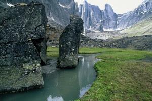 Lembah+Nahanni+%282%29 Misteri Misteri Alam yang Sulit Diterima Nalar dan Logika Manusia