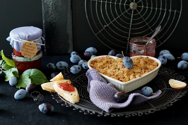 Zwetschgen-Rhabarber-Marmelade und Zwetschgencrumble