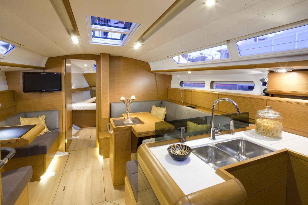 Vacanza in barca a vela nel nord dell 39 elba centro for Cabine sulla sponda nord
