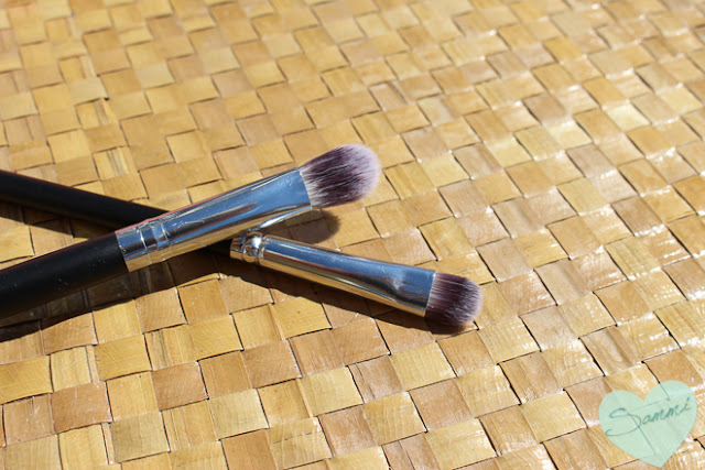 CROWN BRUSH | Syntho Series Chisel Shadow ($8.68) and Deluxe Blending Brush - Luxe Pineapple Box of Joy: Rock Pop & Wow GlossaryBox Review | Sammi the Beauty Buff