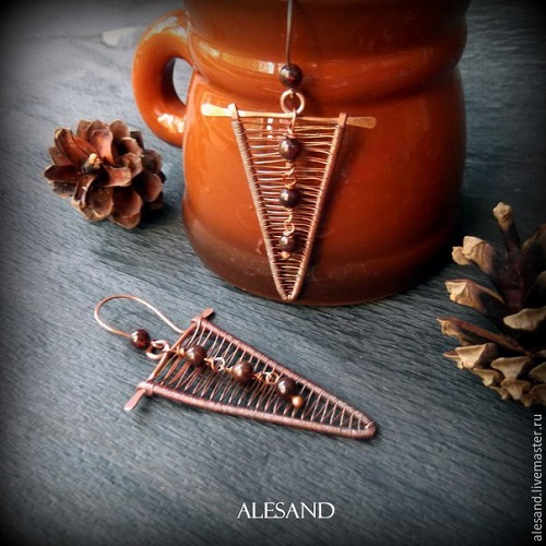 Wire Wrapped Copper Triangular Earrings Tutorial ~ The Beading ...