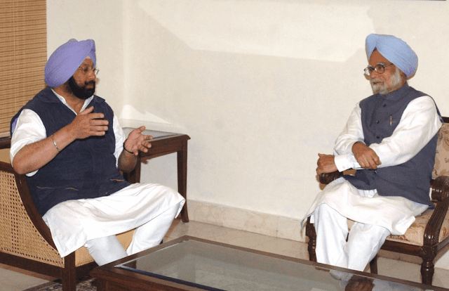 Punjab Cheif Minister Captain Amarinder Singh With Former Prime Minister Manmohan Singh Photos Pics Image Wallpapers