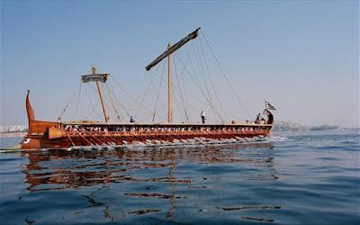 Η ιστορική τριήρης «Ολυμπιάς» στον Σαρωνικό