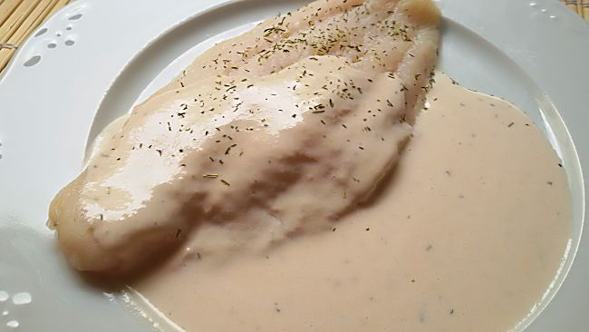 Filetes de panga con salsa de salmón