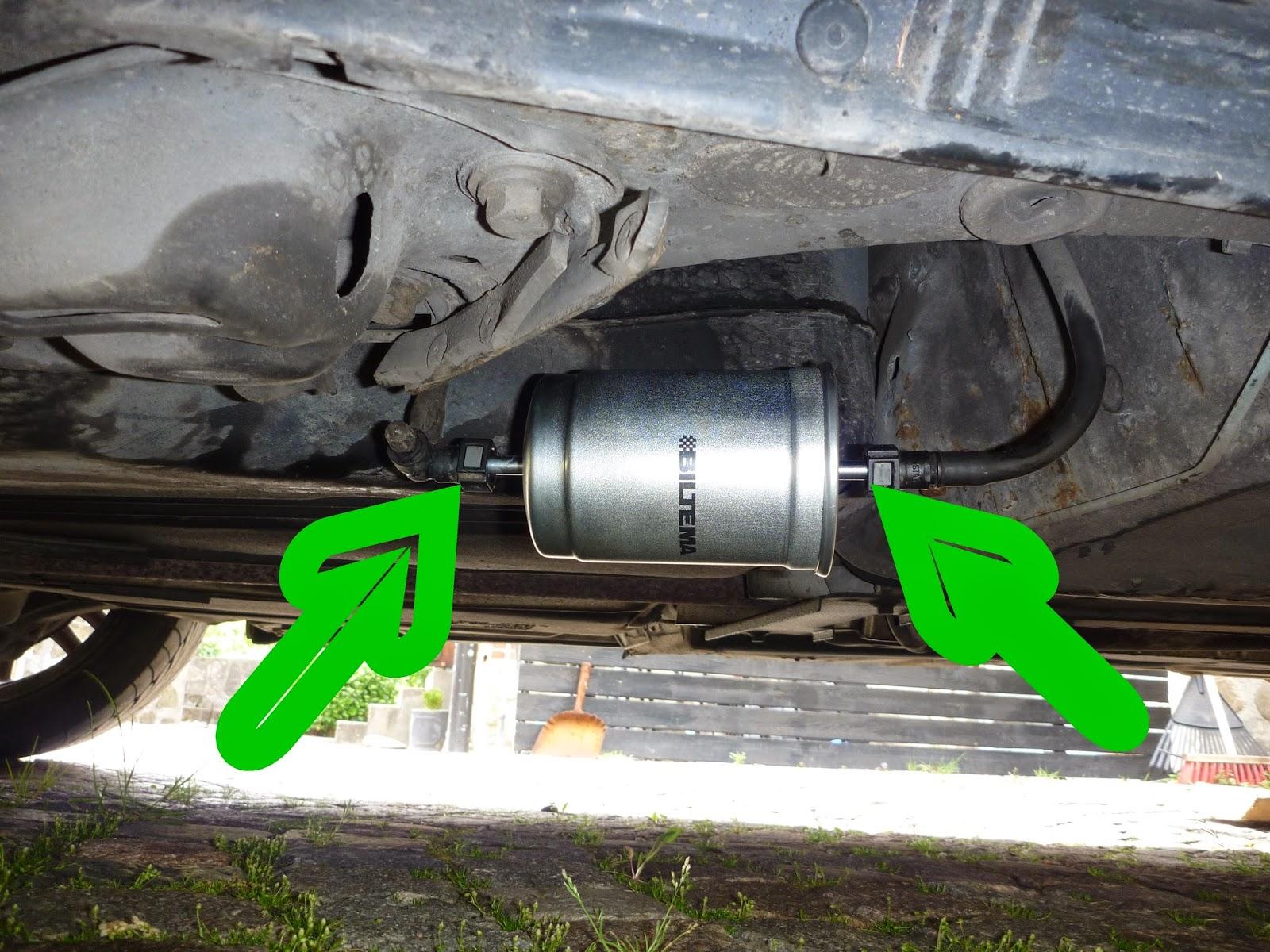 1998 volvo s70 fuel filter location