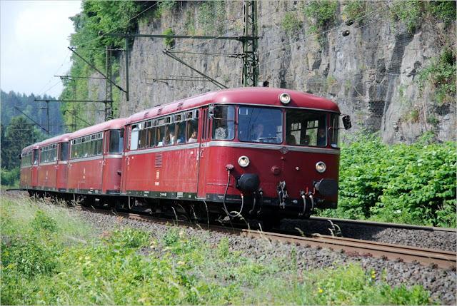 VT-Garnitur der Vulkan-Eifel-Bahn