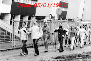 Sauvakävely devant le Stade Olympique d'Helsinki le 5.1.1988