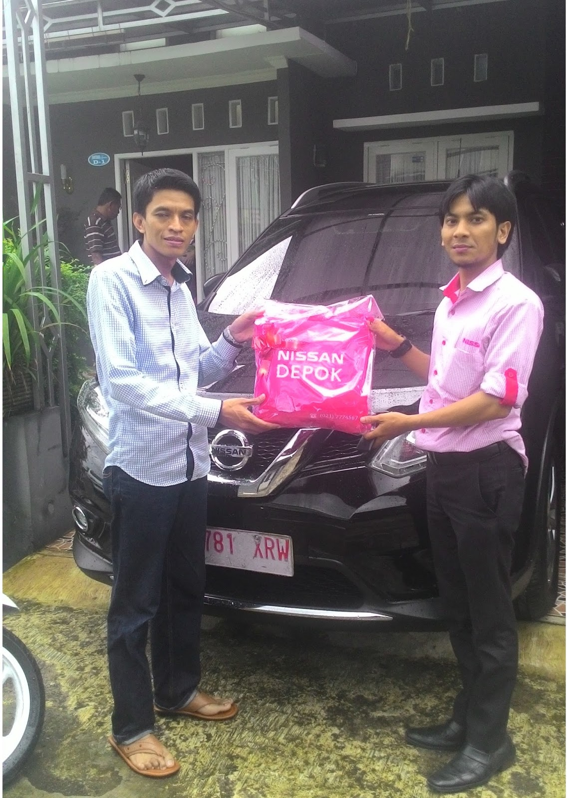 Terimakasih atas kepercayaan Bu Ayu & Keluarga yg telah membeli Nissan All New Xtrail melalui media www.touchnissan.com.  Semoga Berkah ya Bu...