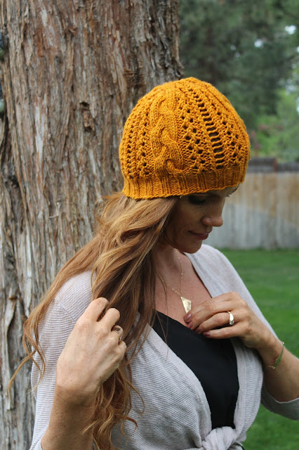 http://www.ravelry.com/patterns/library/miss-clark