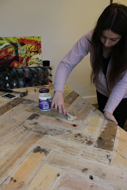 Ronseal Natural Wood Filler In Use