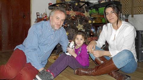 Nadia y sus papas en navidades 2012