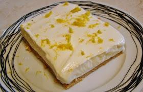 Ελαφρύ γλυκό με γιαούρτι και μπισκότα ολικής άλεσης