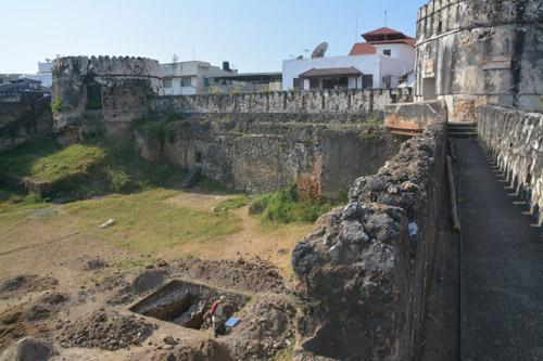 Deux anciennes églisese portugaises mise au jour à Zanzibar