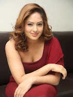 Nikisha Patel at Araku Road lo press meet-cover-photo