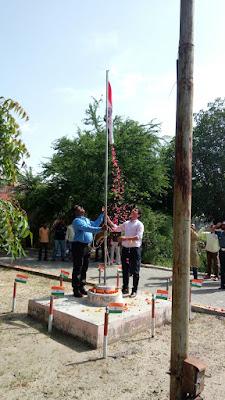 सभी को 71बे स्वतंत्रतादिवस के साथ साथ श्री कृष्ण जन्मास्टमी की हार्धिक शुभ कामनाए दी.विवेक कुमार सिंह ,टी.एम.अतुल कुमार सिंह जी