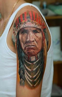 Tatuaje realista de indio