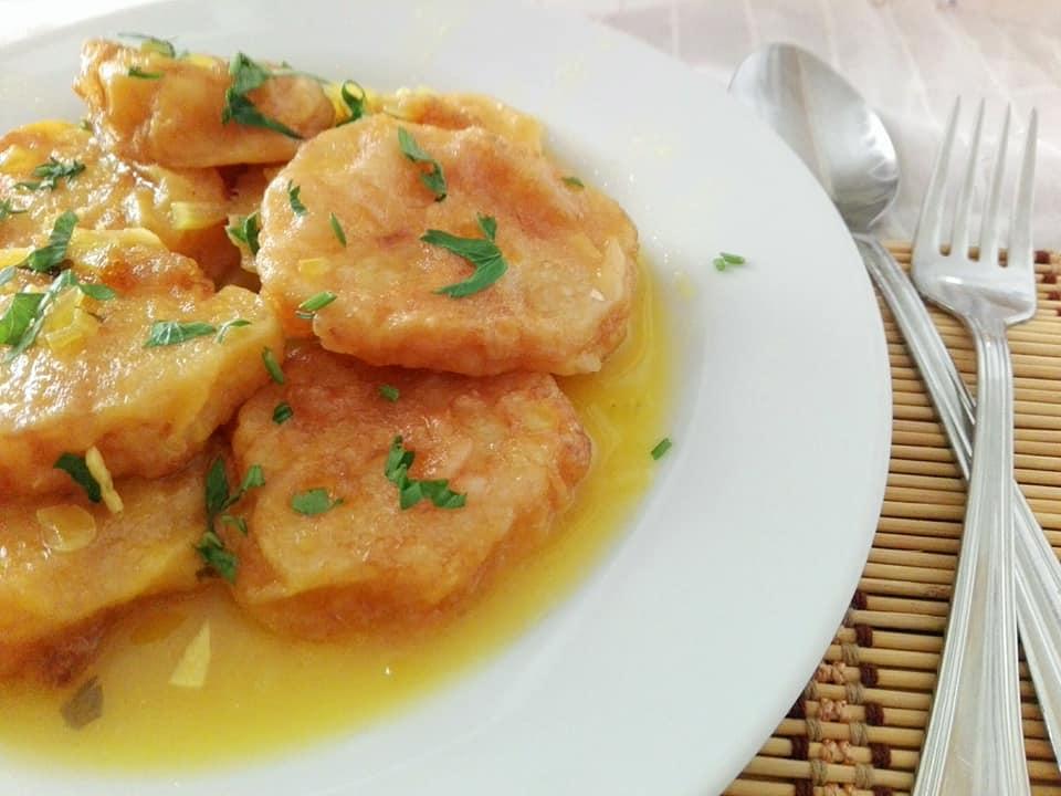 Estas riquísimas patatas rebozadas y guisadas son un plato típico de León  mas concretamente de la provincia de Palencia que resulta estupendo cuando  no ... 6395f992b758