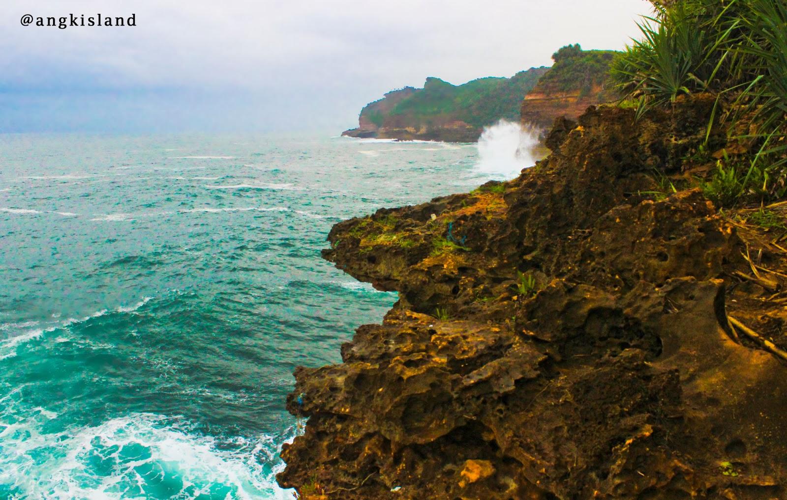 pantai bergantole di Jogja