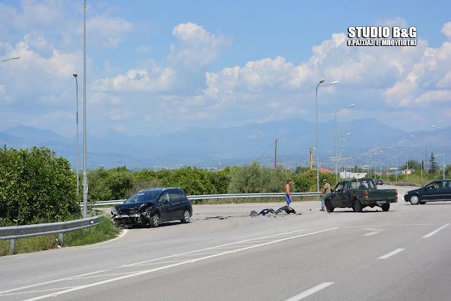 Σφοδρή σύγκρουση αυτοκινήτων στην Αργολίδα με τραυματίες (βίντεο)