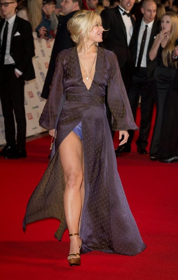 #Lookdodia #Moda - Vestido Nude de Renda + Sapato Roxo!