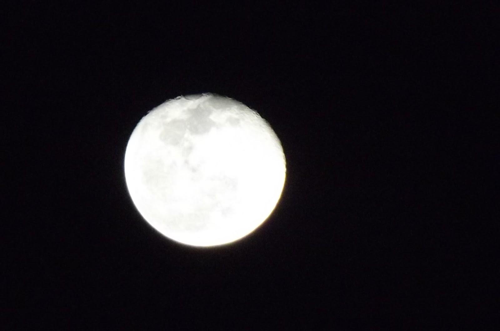 Algumas fotos que tirei da lua
