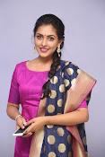 Madhu Shalini laest glam pics-thumbnail-7