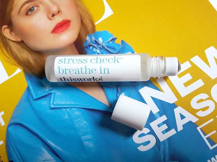 Unboxing: lookfantastic Beauty Box Februar - thisworks - stress check breath in Roll-on - 10ml - ca. 12 £