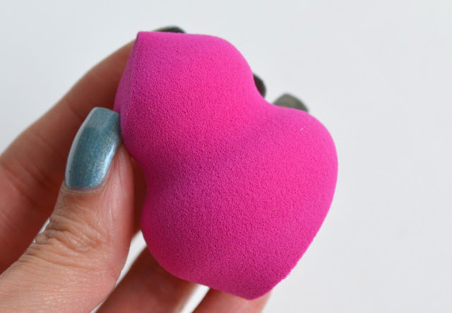 Real Techniques Miracle Sculpting Sponge Review