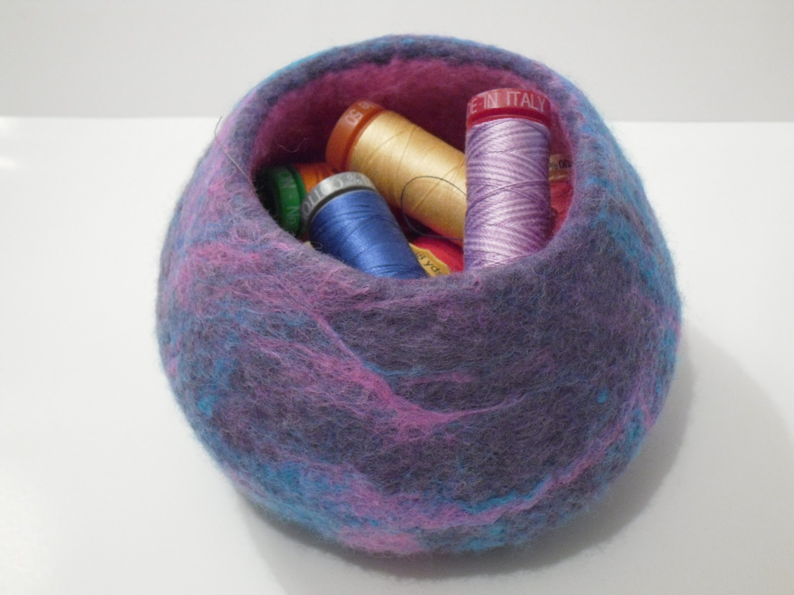 Pink Stitches: Felted bowls