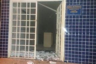 Grupo fortemente armado explode agência dos Correios no Sertão do Estado