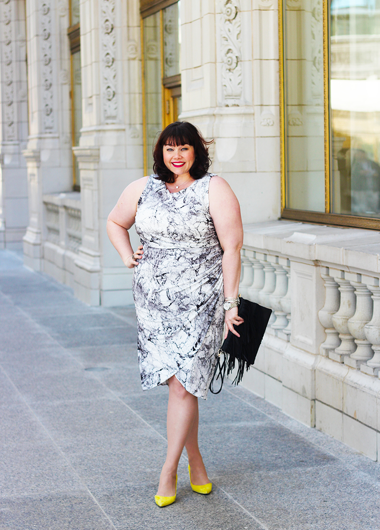 Plus Size Blogger Amber from Style Plus Curves in an Asos Curve Marble Print Twist Sleeveless Bodycon Midi Dress